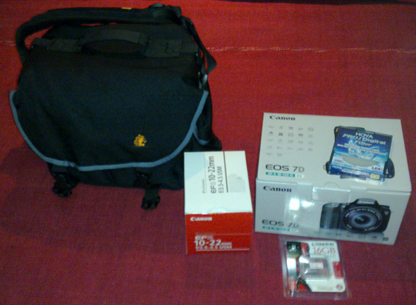 The camera bag, 10-22mm lens, Canon 7D, 77mm filter and 16GB CF card