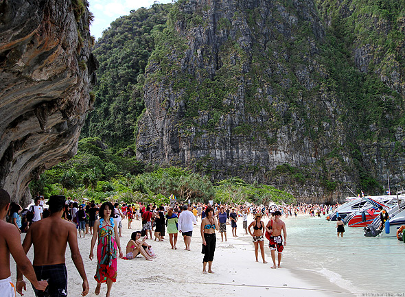 Ko Phi Phi Lee Maya bay crowd