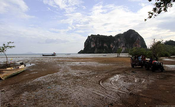 Railay East beach tractor