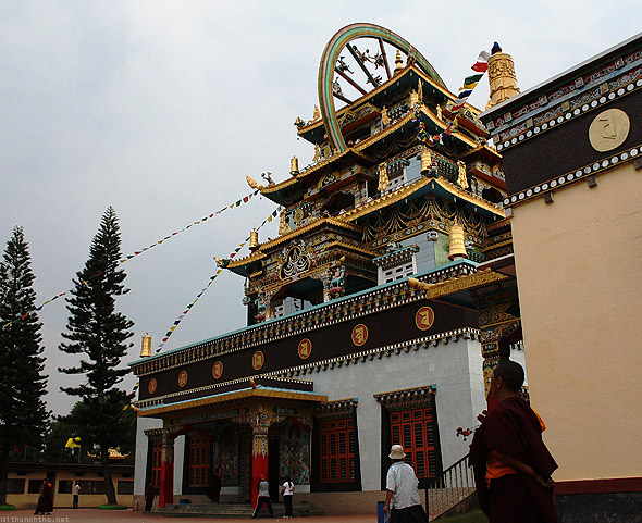 Bylakuppe Golden temple