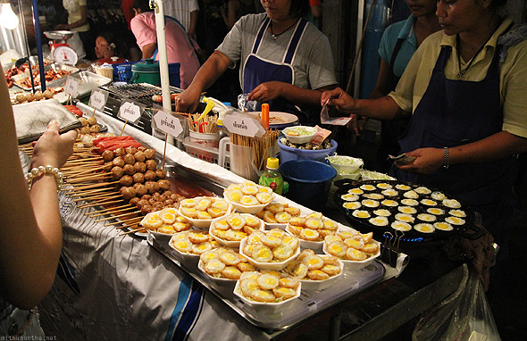 Chatuchak weekend market food