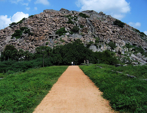 Gingee fort path