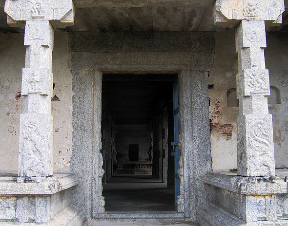 Gingee Fort pillars