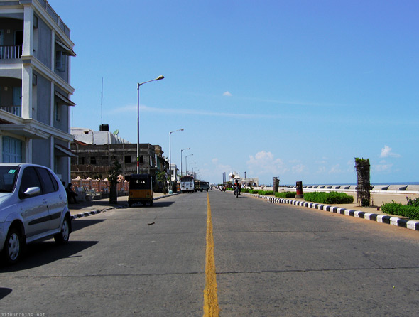 Pondicherry Beach road