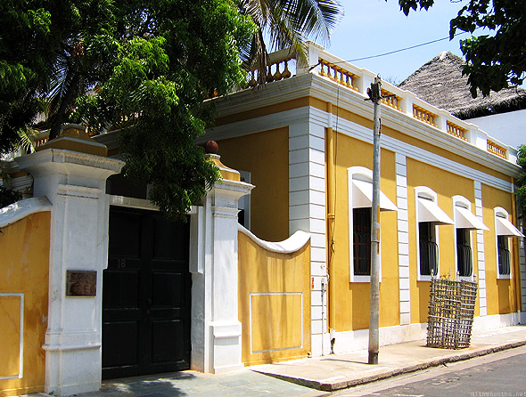 Pondicherry yellow house