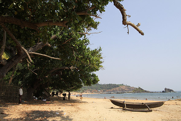 Om beach Gokarna fisherman boat