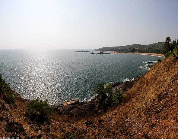 Om beach view panorama