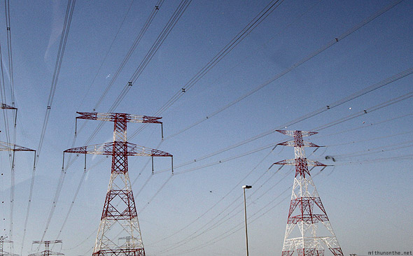 Abu Dhabi to Dubai power grids