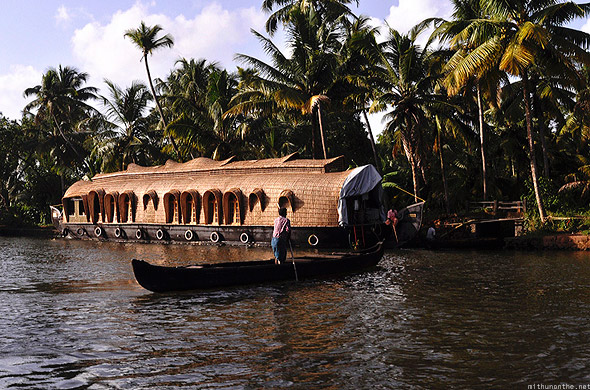 Kumarakom houseboat small boat