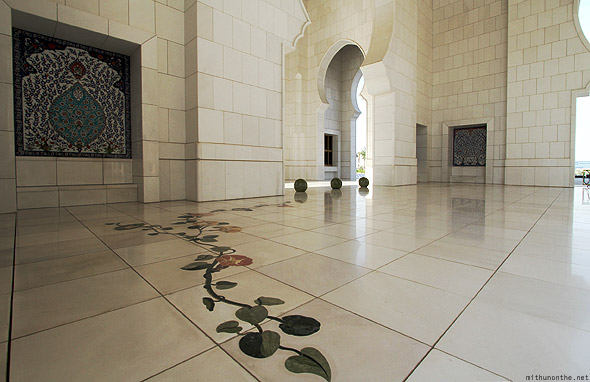 Sheikh Zayed mosque floor art