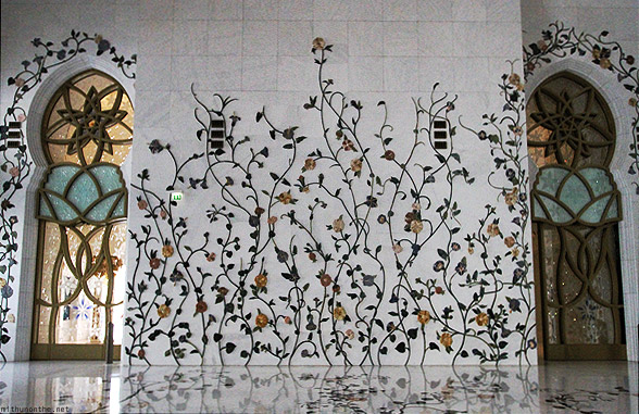 Sheikh Zayed mosque wall art