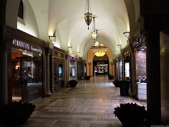 Dubai Mall gold souk shops