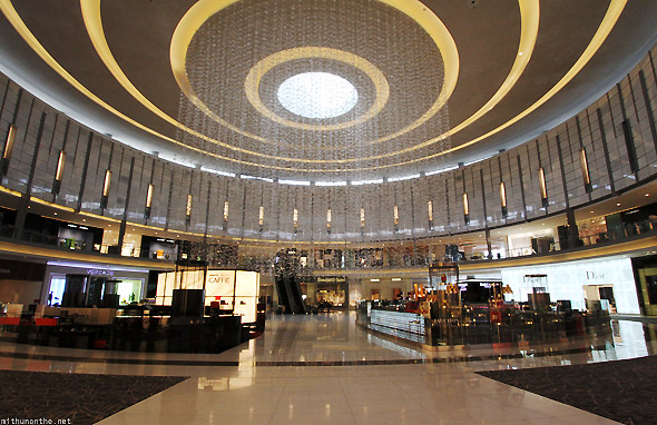 Dubai Mall ground floor ceiling