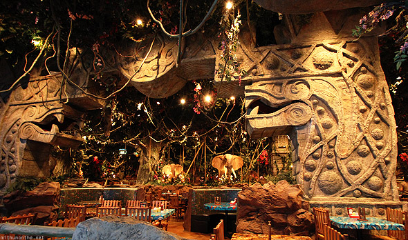 Dubai Mall jungle theme restaurant
