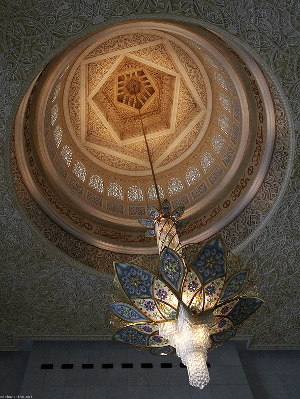 Sheikh Zayed mosque entrance hall chandelier