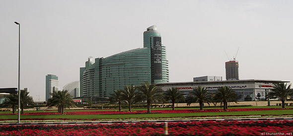 Dubai Honda showroom building to-let