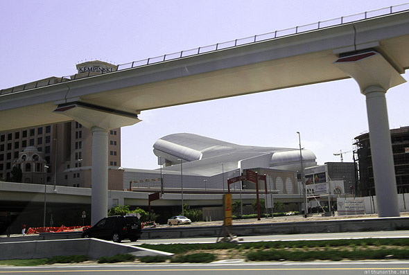 Mall of Emirates Ski Dubai from outside