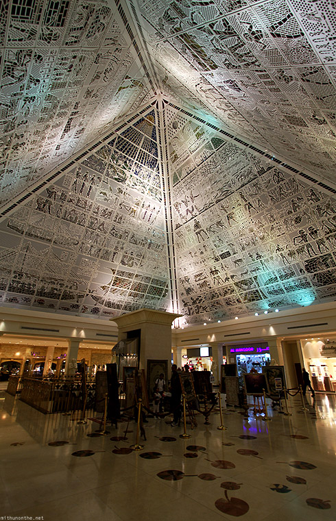 Wafi Mall roof ceiling Egyptian art