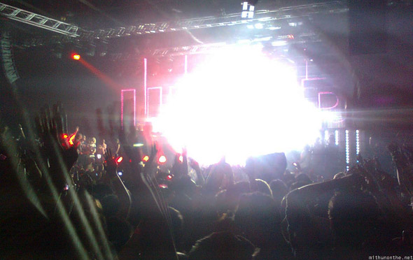 David Guetta Dubai 2010 concert lights