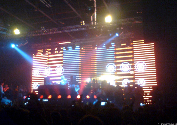 David Guetta Dubai 2010 screen graphics
