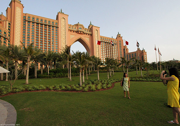 Palm Islands Jumeirah Atlantis hotel Dubai Filipino women