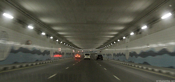 Palm Islands tunnel to Atlantis hotel Dubai cars