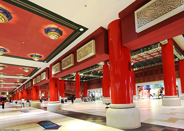Ibn Battuta mall China hall pillars ceiling