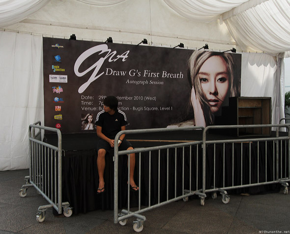 Singapore Bugis Square G.NA autograph session fan meet
