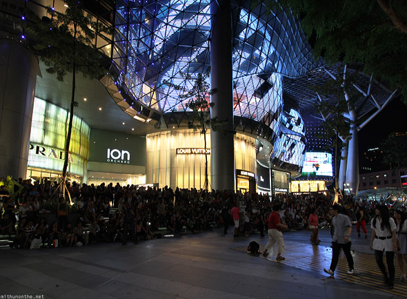 Singapore Ion Orchard mall road night