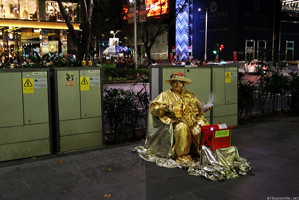 Singapore Orchard road street performer gold