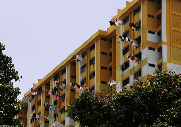 Singapore Rochor Centre apartment hanging clothes dry