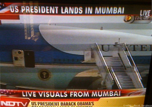Obama lands in Mumbai