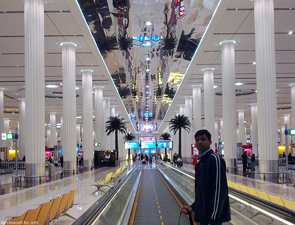 Dubai airport inside terminal 3 walkalator