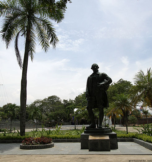 Fort Cornwalis Sir Francis Light statue Penang