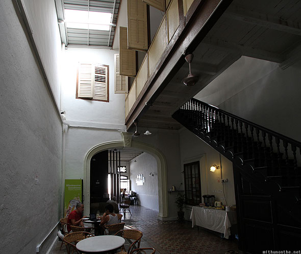 Old Penang Guesthouse dining area