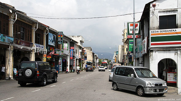 Penang Chulia street daytime 7-Eleven