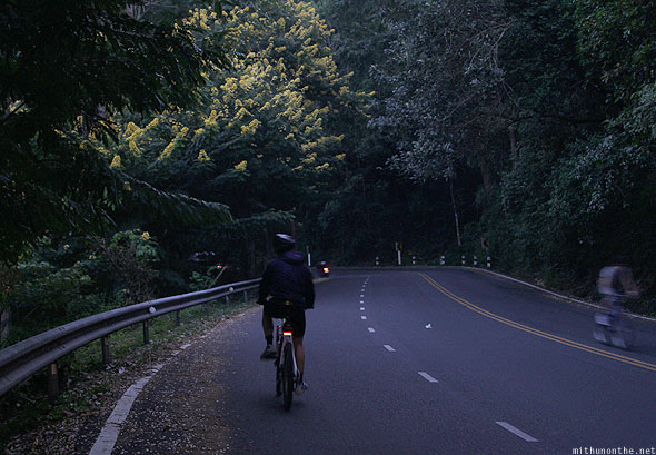 Chiang Mai Doi Suthep cyclists