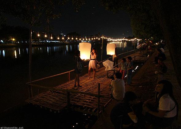 Chiang Mai Loy Krathong Ping river celebrations
