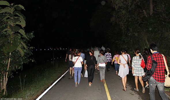Getting to Mae Jo Loy Krathong