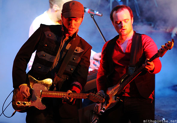 Coldplayer Gareth guitarist Craig bassist concert performance