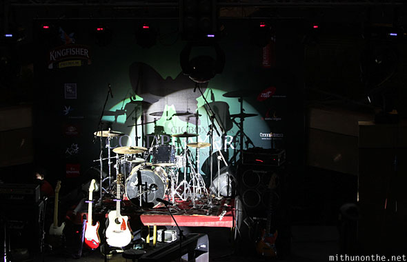 Coldplayer Gigbox concert stage instruments