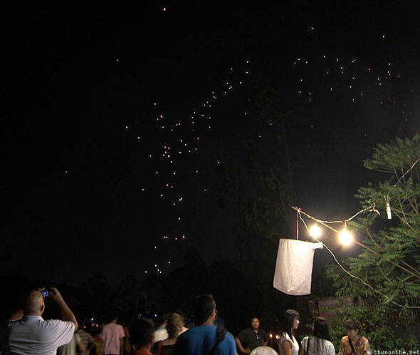 Mae Jo lanterns in sky crowd