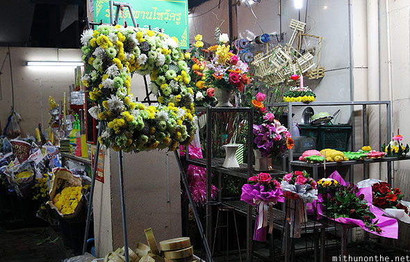 Chiang Mai market flower shop designs