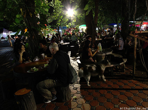 Wat Phan visitors eating Chiang Mai Thailand