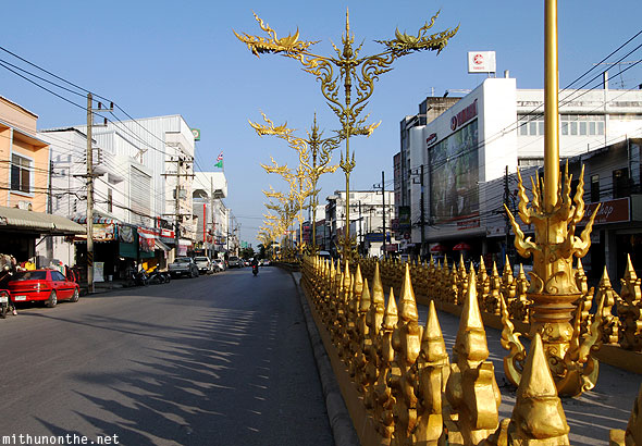 Chiang Rai Golden clock tower road golden divider