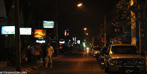 Loy Krathong Loy Kroh road at night