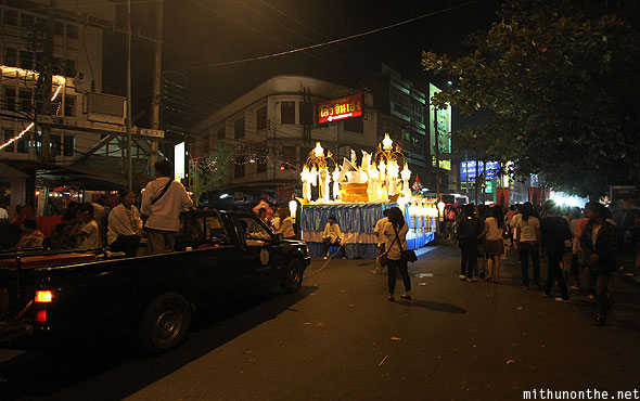 Praisanee road grand parade Loy Krathong