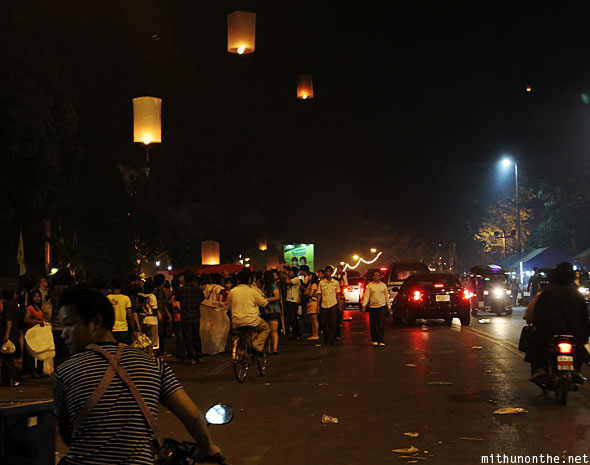 Praisanee road Loy Krathong locals celebrating