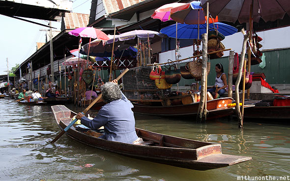 Damnoen Saduak floating market old boat lady Ratchaburi