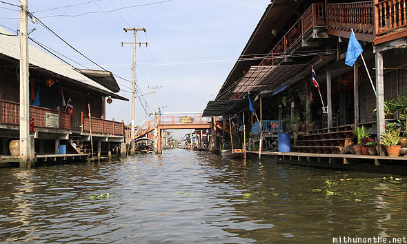 Damnoen Saduak floating market row houses Ratchaburi Thailand